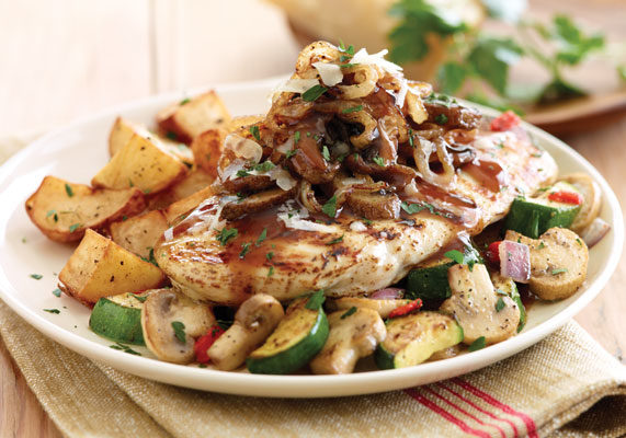 The Under 550 Calories menu at Applebee's includes the Napa Chicken & Portobellos, featuring a grilled chicken breast topped with Portobello mushrooms and onions in a red wine sauce, plus sautéed zucchini, mushrooms, roasted red peppers, red onions and crispy red potatoes.