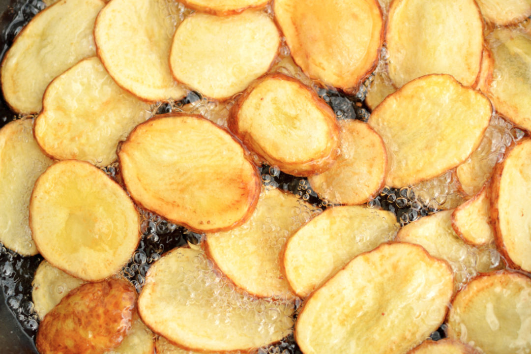 Fried potatoes in oil