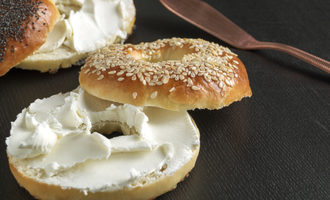 Bagelcreamcheese lead