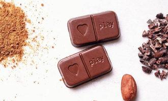 Playinchocolate_lead