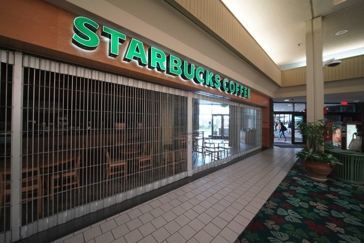 Starbucks in mall closed