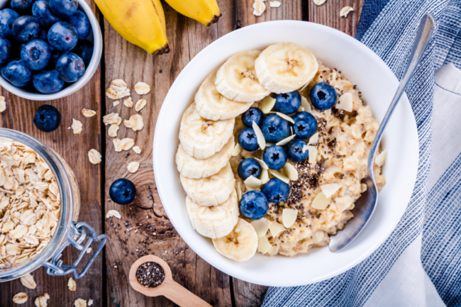 oatmeal with bananas, blueberries, chia seeds and almonds