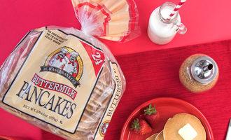 Dewafelbakkersbuttermilkpancakes lead