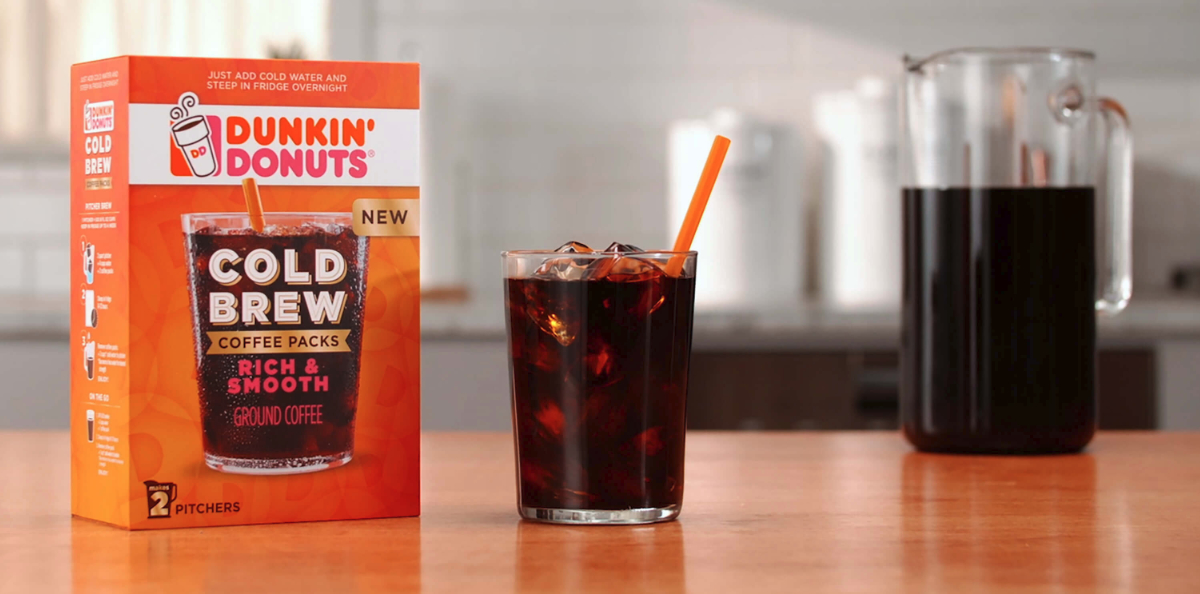 Dunkin' cold brew coffee kit, Smucker