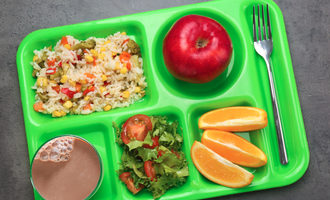 Schoollunchtray lead
