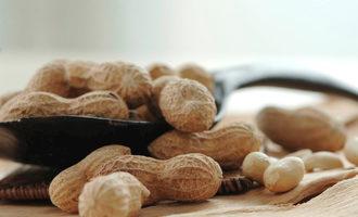 Peanuts_lead