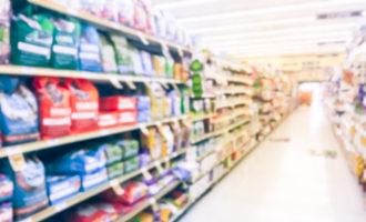Petfoodaislesupermarket trongnguyen adobestock 205073486