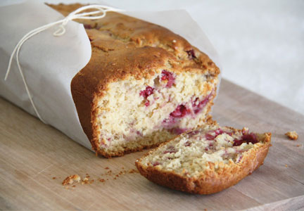 Chardonnay wine-flavored bread with raspberries