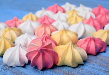 Meringue cookies made with egg